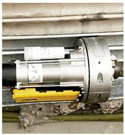 Adaptamos motores a puertas, enrollables, batientes, seccionales y de guillotina