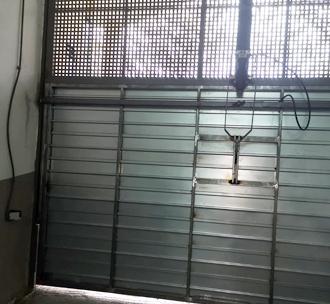 Puerta de garaje chapa.